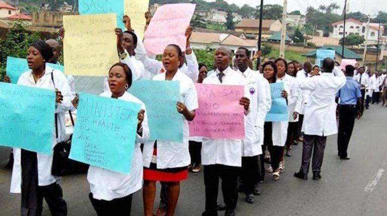 Nigeria Doctors Protest over Salaries